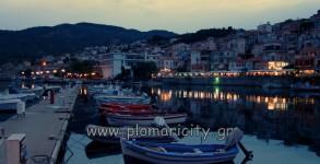 marina-plomari-night